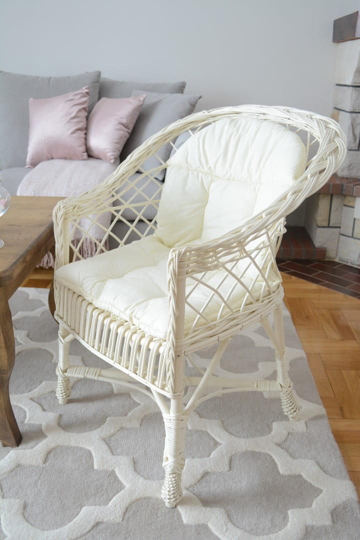 Fotel Wiklinowy Regan Biały Poduszka